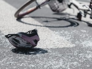 Urgnano, ragazza di 17 anni in bici travolta da un'auto: è in condizioni gravissime
