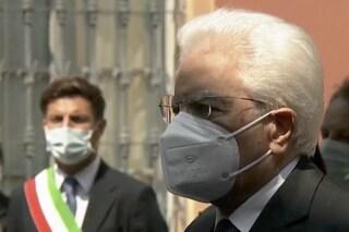 """Mattarella a Bergamo ricorda le vittime del coronavirus: """"Strada in salita, nulla sarà come prima"""""""
