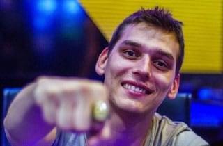 Lutto nel mondo del poker: è morto a 29 anni il campione Matteo Mutti