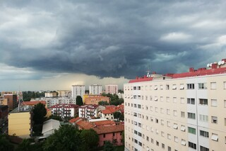Maltempo a Milano, scatta l'allerta meteo per temporali: in arrivo pioggia e vento
