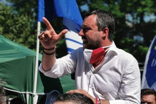 Salvini contestato, Lucarelli: