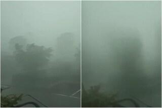 Maltempo a Brescia, temporale con vento a 130 km orari e grandine: nubifragio e strade allagate