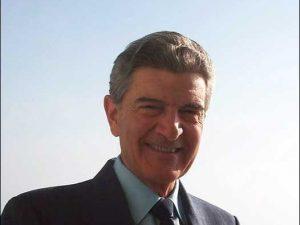 Ruggiero Di Luggo, Cavaliere del Lavoro dal 2001.