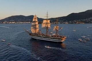 Il veliero Amerigo Vespucci per la prima volta a Ischia: omaggio nella notte di Sant'Anna