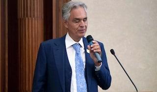 Qualcuno spieghi a Bocelli che Napoli non c'entra niente con le sue fesserie sul Coronavirus