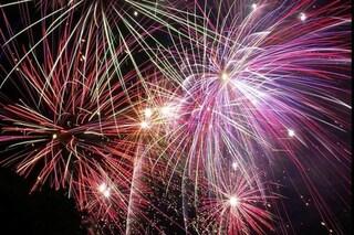 Napoli, fuochi d'artificio per la nascita del figlio, denunciato e multato per nome Covid