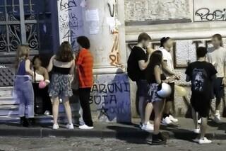Napoli, ai baretti senza mascherina obbligatoria: a Chiaia quattro multe da 400 euro