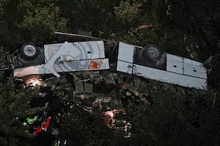 Il 28 luglio 2013 la strage dell'Acqualonga: autobus cade dal viadotto, muoiono 40 persone