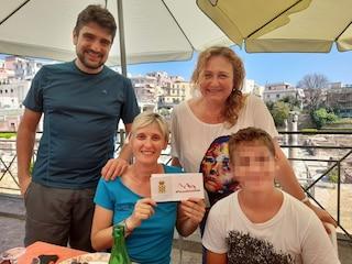 Turisti derubati di soldi e documenti a Pozzuoli: il Comune li ospita