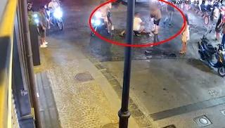 Carabiniere picchiato dal branco a Castellammare, presidio di solidarietà alla Pastrengo