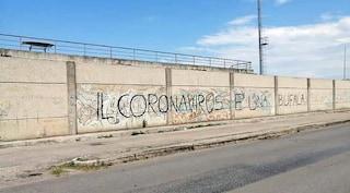 """""""Il Coronavirus è una bufala"""": scritta choc davanti allo stadio di Macerata Campania"""
