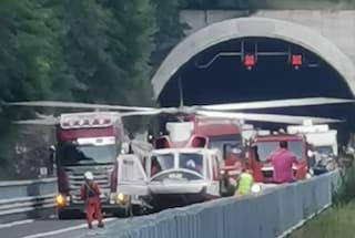 Incidente tra auto e camion sulla Salerno-Reggio Calabria: un ferito grave