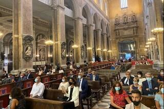 """Festa di San Gennaro, vuoto il Duomo a causa del Covid. De Magistris: """"Immagine surreale"""""""
