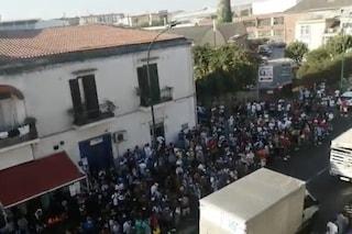 Coronavirus, 3 poliziotti positivi all'Ufficio Immigrazione di Napoli: tamponi ai colleghi