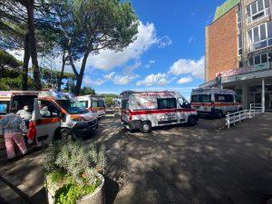 Ambulanze in coda al Cotugno il 14 ottobre 2020