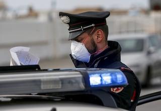 Positivo a Covid viola la quarantena per andare in giro: fermato dai carabinieri a Saviano