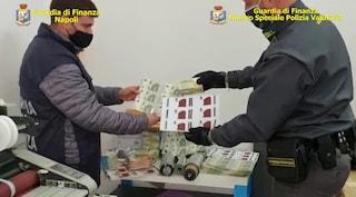 A Napoli si stampano anche banconote false da 5 euro: sono molto difficili da distinguere