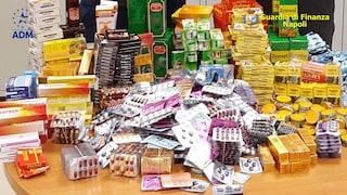Napoli, farmaci illegali e pericolosi: sequestrate 3.700 pasticche all'aeroporto di Capodichino