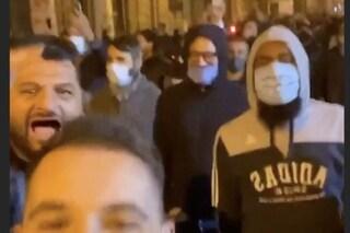 Rivolta per coprifuoco a Napoli, anche il figlio del boss Mascitelli tra i manifestanti