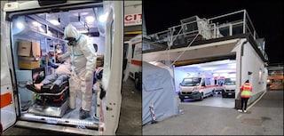 Non ci sono posti per i positivi Covid, malati in ambulanza all'ospedale di Pozzuoli