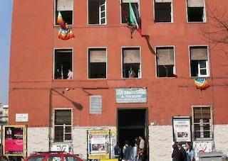 Napoli, contagi Covid anche al Liceo Pansini, scuola chiusa: attivata didattica a distanza