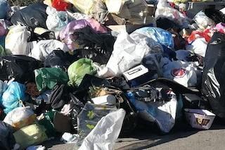 """I rifiuti di Roma a Napoli, De Magistris: """"Pronti a ricevere 150 tonnellate al giorno"""""""