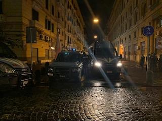 Guerriglia a Napoli, la sede della Regione Campania diventa zona blindata