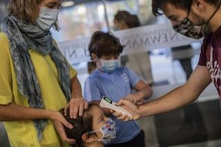 Battipaglia, caos tamponi: spariti i test Covid dei bimbi di una scuola elementare
