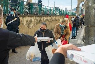 Coronavirus, a Napoli una pizza solidale per i poveri: servite 500 persone