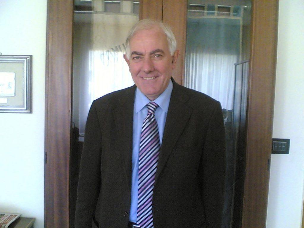 Antonio Amente, sindaco di Melito, scomparso a causa del Covid.