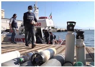 Covid, in Campania non si trovano bombole di ossigeno: le donano i sub