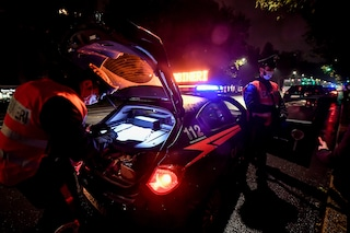 Due giovani arrestati durante il coprifuoco: da Salerno a Napoli per comprare la droga