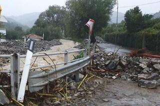 Maltempo Salerno, bomba d'acqua sul Golfo di Policastro: frane e famiglie sfollate