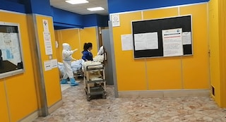 Eboli, nell'ospedale pazienti covid e non covid sullo stesso percorso