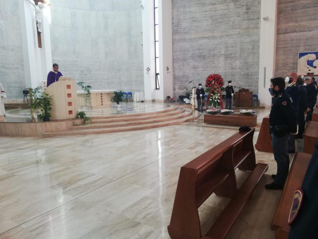 I funerali di Manuela Scodes, la poliziotta di 42 anni morta di Covid a Napoli.