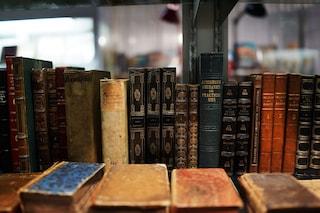 Ariano Irpino, furto di libri antichi nel Centro di Studi Normanni: arrestato il bibliotecario