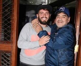 """Diego Maradona Sinagra jr in ospedale per Covid, dimesso poco dopo la morte del padre: """"Vado da lui"""""""
