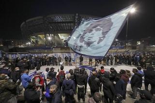 Napoli a lutto per Maradona. Ora viene il difficile: gestire gli assembramenti anti-Covid