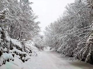 Meteo, in Campania crollano le temperature. Neve sulle montagne Terminio e Cervati