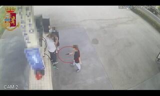 Rapine ai distributori di benzina tra Napoli e Caserta, nella banda 2 minorenni