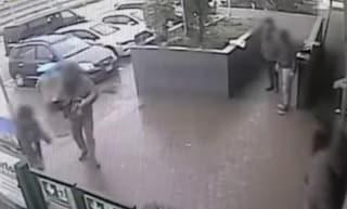 """A processo banda di venditori di calzini, automobilisti picchiati negli autogrill: """"Sono di Scampia"""""""