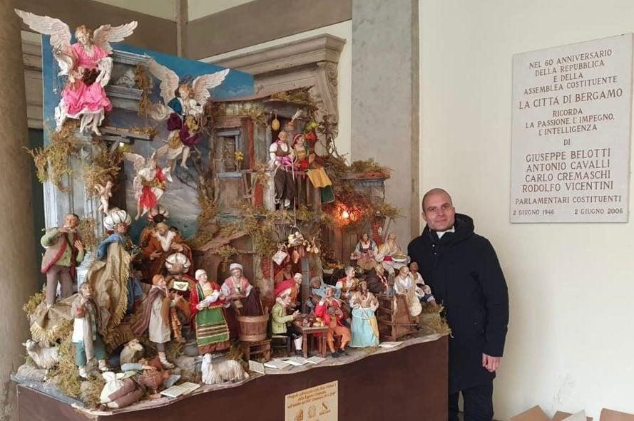 Il maestro presepiaio Michele Buonincontro, di San Gregorio Armeno