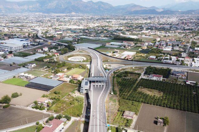 Il nuovo svincolo di Angri lungo l'A3 Napoli–Salerno.