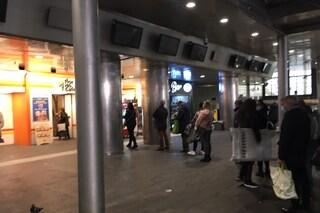 A Napoli code solo davanti ai negozi per i cibi del Cenone di Capodanno