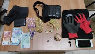 Carico d'oro appena rubato in una casa, arrestato dai carabinieri dopo inseguimento