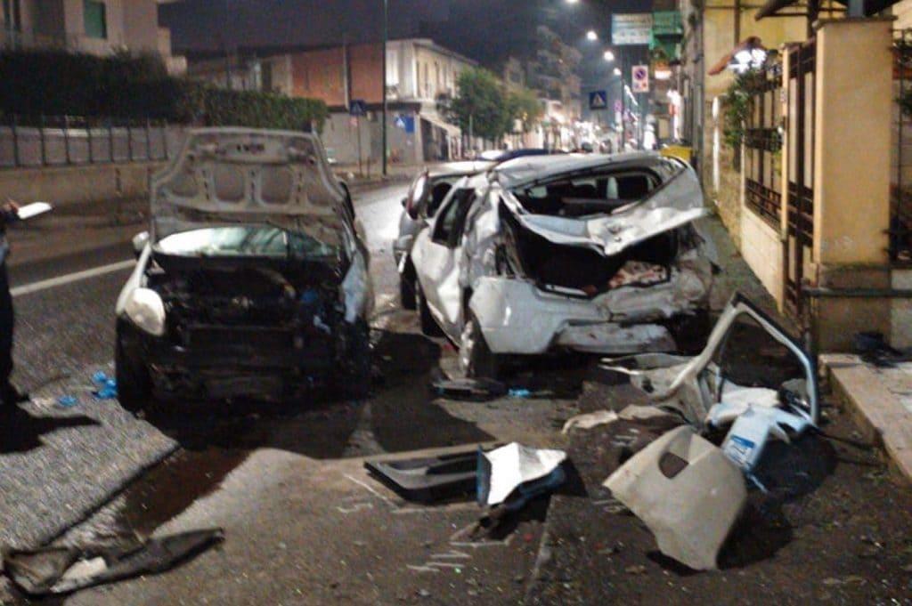L'impatto di via Santa Maria a Cubito, a Chiaiano avvenuto il 1° gennaio.
