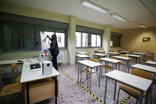 Variante inglese Covid tra studenti a San Giorgio a Cremano: 3 scuole chiuse. In 2 giorni 21 contagi