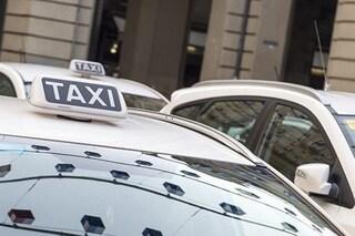 Tragedia al Vomero, l'anziano tassista muore a bordo della sua auto
