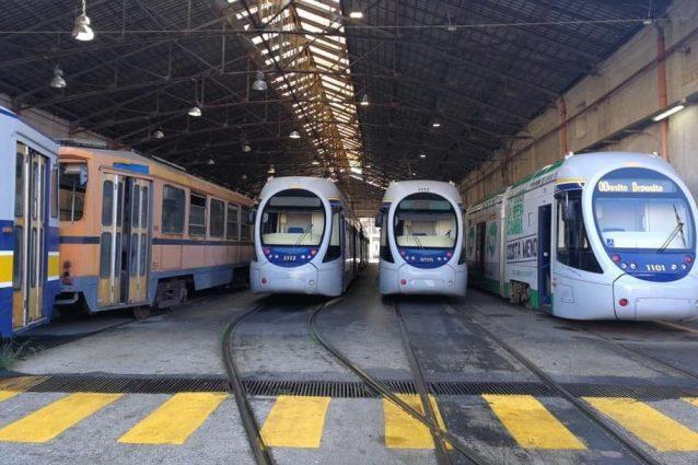 Napoli senza tram e filobus, tutti fermi perché manca il personale