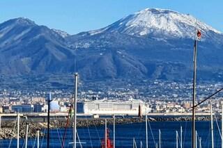 Vesuvio pieno di neve, temperature in calo: metà gennaio di gelo in Campania
